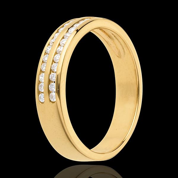 Trauring zur Hälfte mit Diamanten besetzt in Gelbgold - Kanalfassung 2-reihig - 0.21 Karat - 26 Diamanten