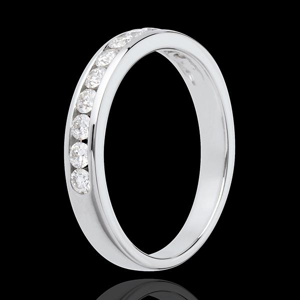 Trauring zur Hälfte mit Diamanten besetzt in Weissgold - Kanalfassung - 0.4 Karat - 11 Diamanten