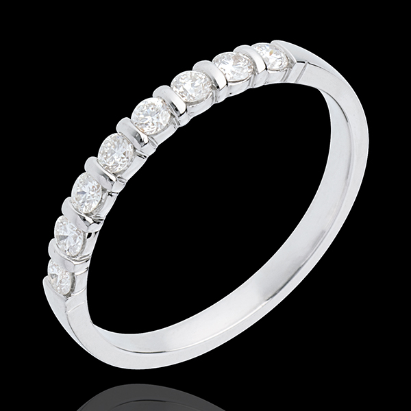 Trauring zur Hälfte mit Diamanten besetzt in Weissgold - Krappenfassung - 0.3 Karat - 8 Diamanten