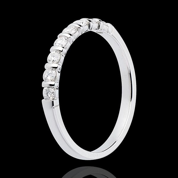 Verighetă din aur alb de 18K semi pavată - setare canal - 0.3 carate - 8 diamante