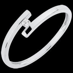 <a href=http://es.edenly.com/joyas/anillo-solitario-amor-puro,3038.html><span class='nom-prod-slide'>Solitario Brillo Eterno - Amor Puro - oro blanco - diamante 0.03 quilate - 18 quilates</span><br><span class='prixf'>240 &#x20AC;</span> (-14%) </a>