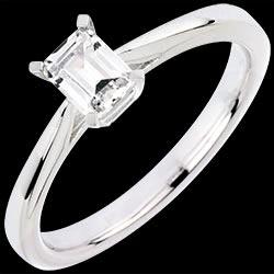 <a href=http://de.edenly.com/schmuck/solitar-ring-faszination-smaragd,3071.html><span class='nom-prod-slide'>Solitär Ring Faszination Smaragd</span><br><span class='prixf'>3500 &#x20AC;</span> (-34%) </a>