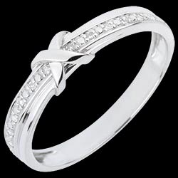 <a href=https://en.edenly.com/jewels/wedding-ring-love-mark,1829.html><span class='nom-prod-slide'>Wedding Ring Love Mark</span><br><span class='prixf'>£ 219</span> (-46%) </a>