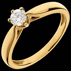 <a href=http://en.edenly.com/jewels/yellow-gold-roseau-solitaire,1158.html><span class='nom-prod-slide'>18K Yellow Gold Roseau Solitaire 6 prong diamond</span><br><span class='prixf'>£ 799</span> (-49%) </a>