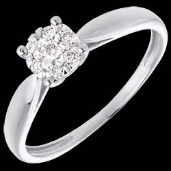 <a href=https://de.edenly.com/schmuck/zarter-ring-weissgold-diamantsphare-diamanten,78.html><span class='nom-prod-slide'>Zarter Ring in Weißgold Diamantsphäre - 7 Diamanten</span><br><span class='prixf'>390 &#x20AC;</span> (-39%) </a>