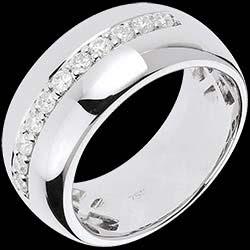 <a href=https://de.edenly.com/schmuck/ring-eclat-de-lune,1213.html><span class='nom-prod-slide'>Ring Zauberwelt - Mondsplitter - Weißgold - 11 Diamanten: 0.37 Karat</span><br><span class='prixf'>1590 &#x20AC;</span> (-44%) </a>
