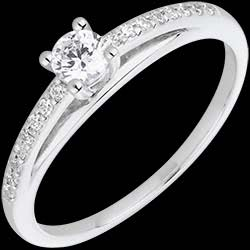 <a href=http://en.edenly.com/jewels/white-gold-and-diamond-avalon-ring,1557.html><span class='nom-prod-slide'>Engagement Ring - Avalon - 0.195 carat diamond - white gold and diamond</span><br><span class='prixf'>£ 679</span> (-48%) </a>