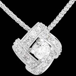 <a href=https://www.edenly.com/bijoux/collier-nid-amour-diamants-or-blanc,1533.html><span class='nom-prod-slide'>Collier Destinée - Princesse Perse - or blanc 18 carats et diamants</span><br><span class='prixf'>1290 &#x20AC;</span> (-47%) </a>