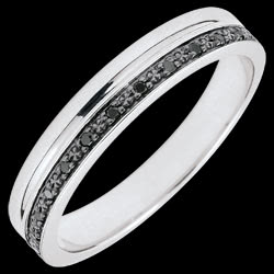 <a href=https://en.edenly.com/jewels/weddingring-elegant-white-gold-and-black-diamonds,3439.html><span class='nom-prod-slide'>Elegance Wedding ring - White gold and black diamonds - 9 carats</span><br><span class='prixf'>£ 209</span> (-27%) </a>