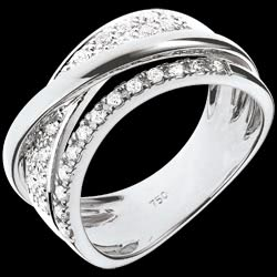 <a href=https://www.edenly.com/bijoux/bague-sublime-saturne-blanc,397.html><span class='nom-prod-slide'>Bague Royale Saturne variation - or blanc 18 carats</span><br><span class='prixf'>990 &#x20AC;</span> (-48%) </a>