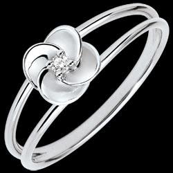 <a href=https://nl.edenly.com/juwelen/ring-ontluiken-eerste-roze-wit-goud-en-diamant-9-k,3583.html><span class='nom-prod-slide'>Ring Ontluiken - Eerste roze - wit goud en diamant - 9 karaat</span><br><span class='prixf'>190 &#x20AC;</span> (-30%) </a>