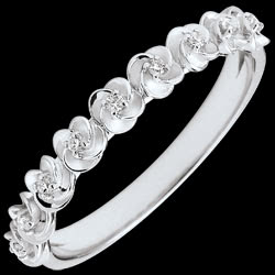 <a href=https://en.edenly.com/jewels/ring-eclosion-roses-crown-small-model-white-gold-a,3595.html><span class='nom-prod-slide'>Ring Eclosion - Roses Crown - Small model - white gold and diamonds - 9 carats</span><br><span class='prixf'>£ 249</span> (-26%) </a>