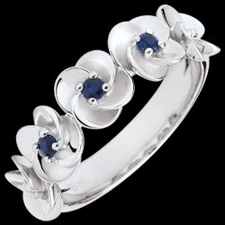 <a href=https://en.edenly.com/jewels/ring-eclosion-roses-crown-white-gold-and-sapphires,3565.html><span class='nom-prod-slide'>Ring Eclosion - Roses Crown - white gold and sapphires - 9 carats</span><br><span class='prixf'>£ 249</span> (-29%) </a>