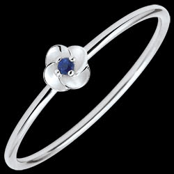 <a href=http://en.edenly.com/jewels/ring-eclosion-first-rose-small-model-white-gold-an,3575.html><span class='nom-prod-slide'>Ring Eclosion - First Rose - small model - white gold and sapphire - 9 carats</span><br><span class='prixf'>£ 119</span> (-32%) </a>