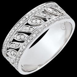 <a href=http://en.edenly.com/jewels/destiny-ring-theodora-52-diamonds-white-gold-carat,3773.html><span class='nom-prod-slide'>Destiny Ring - Theodora - 52 diamonds - white gold 9 carats</span><br><span class='prixf'>SALE: £ 379</span> (-47%) </a>