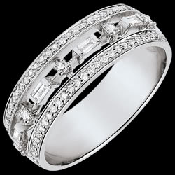 <a href=http://en.edenly.com/jewels/destiny-ring-little-empress-68-diamonds-white-gold,3746.html><span class='nom-prod-slide'>Destiny Ring - Little Empress - 68 diamonds - white gold 18 carats</span><br><span class='prixf'>£ 799</span> (-46%) </a>