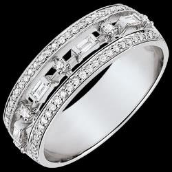 <a href=http://nl.edenly.com/juwelen/ring-lotsbestemming-kleine-keizerin-68-diamanten-w,3746.html><span class='nom-prod-slide'>Ring Lotsbestemming - Kleine Keizerin - 68 diamanten - wit goud 18 karaat</span><br><span class='prixf'>1190 &#x20AC;</span> (-45%) </a>