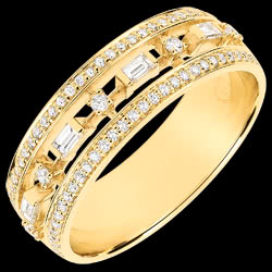 <a href=http://nl.edenly.com/juwelen/ring-lotsbestemming-kleine-keizerin-68-diamanten-g,3749.html><span class='nom-prod-slide'>Ring Lotsbestemming - Kleine Keizerin - 68 diamanten - geel goud 9 karaat</span><br><span class='prixf'>$ 849</span> (-36%) </a>