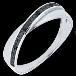 <a href=http://es.edenly.com/joyas/anillo-volatin-diamantes-negros-oro-blanco,754.html><span class='nom-prod-slide'>Alianza Saturno Dúo - diamantes negros - 9 quilates</span><br><span class='prixf'>190 &#x20AC;</span> (-21%) </a>