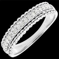 <a href=http://de.edenly.com/schmuck/ring-bella-wei-gold,1444.html><span class='nom-prod-slide'>Ring Fleur de Sel - Zweifacher Ring - Weißgold - 18 Karat</span><br><span class='prixf'>SALE: 560 &#x20AC;</span> (-59%) </a>