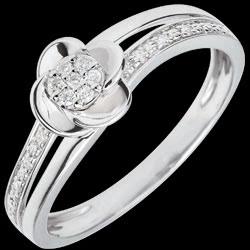 <a href=https://it.edenly.com/gioielli/anello-petali-di-rose-08-carati,2704.html><span class='nom-prod-slide'>Anello Sboccio - Petali di Rosa - 0.075 carati - 18 carati.</span><br><span class='prixf'>490 &#x20AC;</span> (-36%) </a>