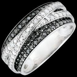 <a href=https://www.edenly.com/bijoux/bague-or-blanc-diamants-blancs-diamants-noirs-elen,2915.html><span class='nom-prod-slide'>Bague Clair Obscur - Ombre portée - or blanc 9 carats et diamants noirs</span><br><span class='prixf'>490 &#x20AC;</span> (-41%) </a>