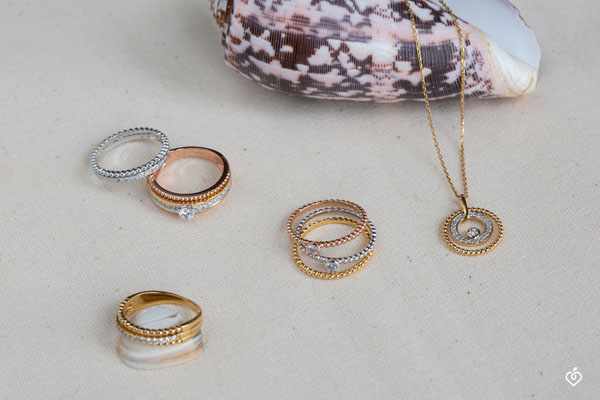 Collar oro amarillo y diamantes - Flor de Sal - círculo - oro amarillo 9 quilates