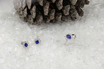 Eternal Edelweiss Earrings - Daisy Illusion - Sapphire and Diamonds - 18 carat White Gold