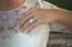 Inel Feerie - Panglică pavată - 1.1 carate - 108 de diamante - aur alb de 18K