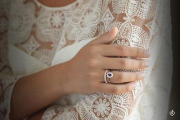 Radiant White Gold Wedding Band with 37 diamonds - 0.57 carat - 18 carats