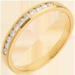 Geschenke Frauen Trauring zur Hälfte mit Diamanten besetzt in Gelbgold - Kanalfassung  - 11 Diamanten
