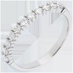 mariage Alliance or blanc semi pavée - serti griffes - 0.4 carats - 11 diamants