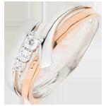 Bague de fiançailles Nid Précieux - Trilogie variation - 3 diamants - or blanc et or rose 9 carats
