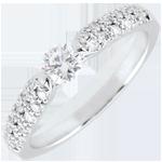 Bague solitaire diamant Triomphale - or blanc 9 carats - 0.25 carat