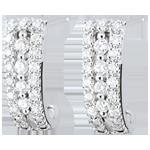 Boucles d'oreilles créoles Destinée - Médicis - diamants et or blanc 18 carats