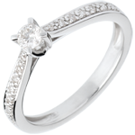 gift woman Essential Paved Diamond Set Shoulder - white gold