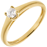 Essential Solitaire ring yellow gold
