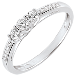 Lavia Trilogy Ring - 18 carats