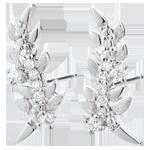 Geschenk Frauen Ohrringe Verzauberter Garten - Königliches Blattwerk - Weißgold und Diamanten - 9 Karat