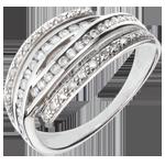 Frau Ring Goldene Greifer