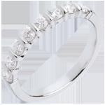 Trauring mit Diamanten semi pavé in Weissgold - Krappenfassung - 0.5 Karat - 8 Diamanten