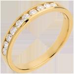 Schmuck Trauring zur Hälfte mit Diamanten besetzt in Gelbgold - Kanalfassung - 0.3 Karat - 10 Diamanten