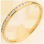 Verkäufe Trauring zur Hälfte mit Diamanten besetzt in Gelbgold - Kanalfassung - 13 Diamanten