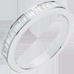 Trauring zur Hälfte mit Diamanten besetzt in Weissgold - 0.5 Karat