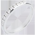 Goldschmuck Trauring zur Hälfte mit Diamanten besetzt in Weissgold - Kanalfassung - 0.3 Karat - 10 Diamanten