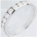 Geschenk Frau Trauring zur Hälfte mit Diamanten besetzt in Weissgold - Kanalfassung - 0.75 Karat - 9 Diamanten