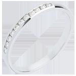 Juweliere Trauring zur Hälfte mit Diamanten besetzt in Weissgold - Kanalfassung - 11 Diamanten