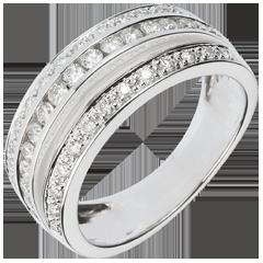 خاتم فيري ـ ڢوا لاكتي ـ 0.7 قيراط ـ 43 ماسة ذهب ـ الذهب الأبيض 18 قيراط