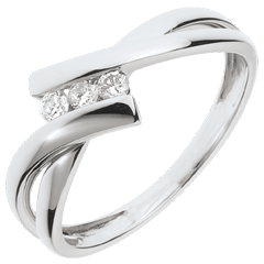 خاتم ثلاثي العش الثمين ـ ذهب أبيض عيار 18 قيراط ـ 3 ماسات