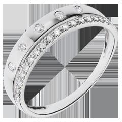 خاتم فيري ـ تاج النجوم ـ موديل صغير ـ ذهب أبيض عيار 18 قيراط